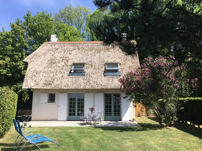 'Le Lodge des Près' / Chaumière gîte, holiday rental in Saint-Quentin-la-Motte-Croix-au-Bailly