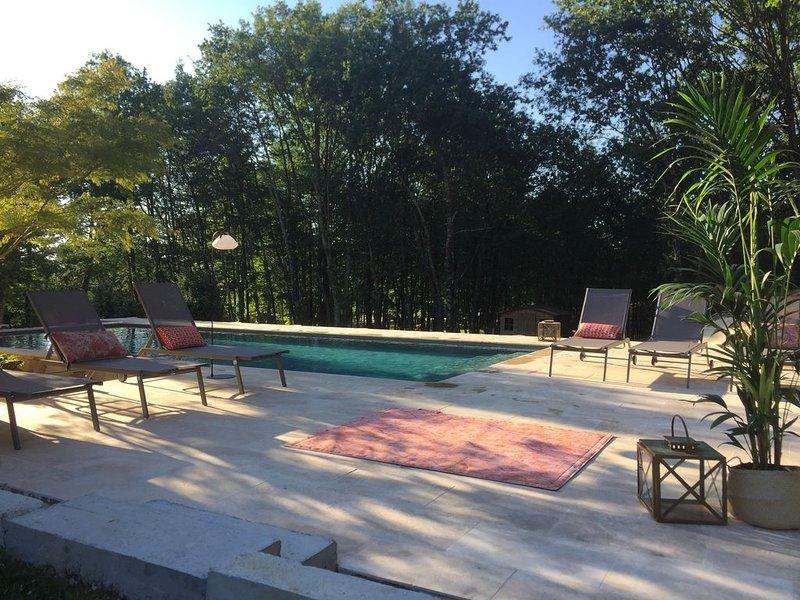 Splendide villa au coeur du Périgord Noir- piscine privée, holiday rental in Sergeac