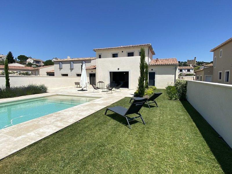 Villa moderne 3 chambres 8pers avec piscine châteauneuf du pape dans le vignoble, alquiler de vacaciones en Chateauneuf-du-Pape