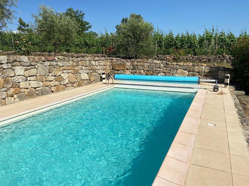 Maison avec Piscine privée chauffée, Sud Ardèche, Vue exceptionnelle, location de vacances à Rosières
