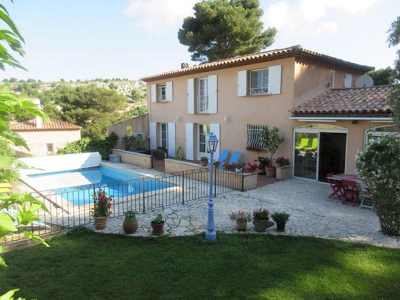 côtebleue villa 10 couchages  4ch 2sdb piscine grand jardin à 800m des calanques, holiday rental in Marignane
