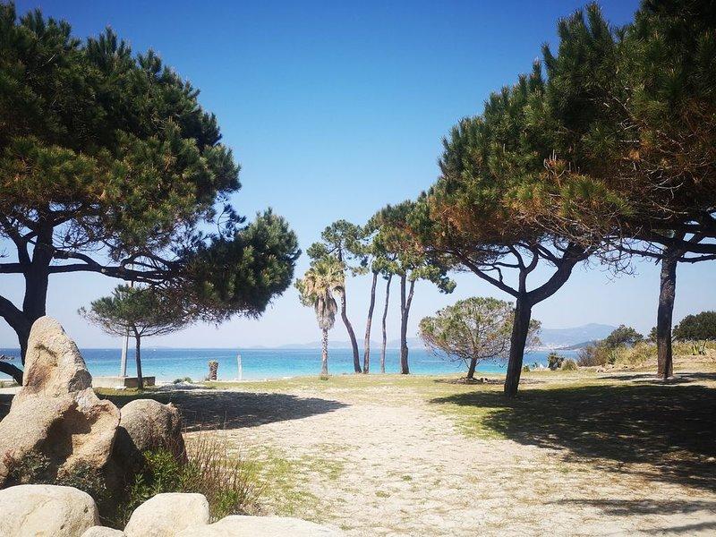 Rez de chaussee de villa avec vue panoramique sur le golfe d'ajaccio, holiday rental in Coti-Chiavari