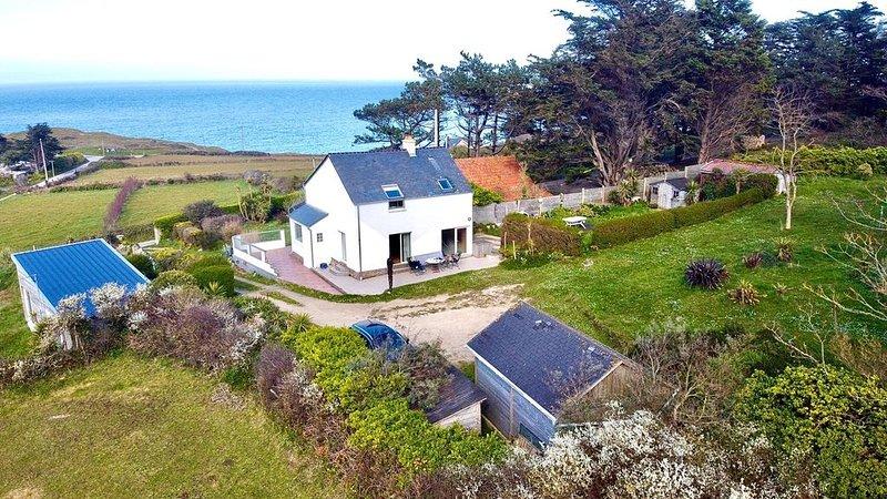 maison avec véranda vue sur mer, location de vacances à Maupertus-sur-Mer