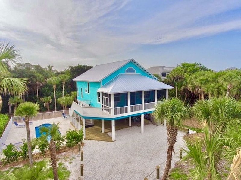 Hidden Treasure - Secluded NEW Home - Pool-Tiki-Basketball- Near Beach- Club Use, holiday rental in Pineland