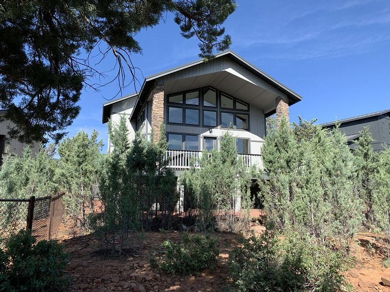 Mountain View Modern Cabin, vacation rental in Pine