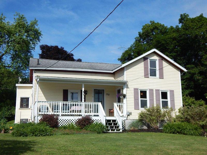 Charming Village home near downtown Watkins Glen!, vacation rental in Watkins Glen