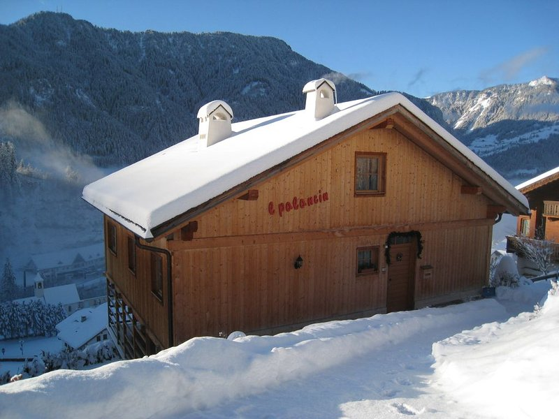 Chalet con vista panoramica, location de vacances à Daunei
