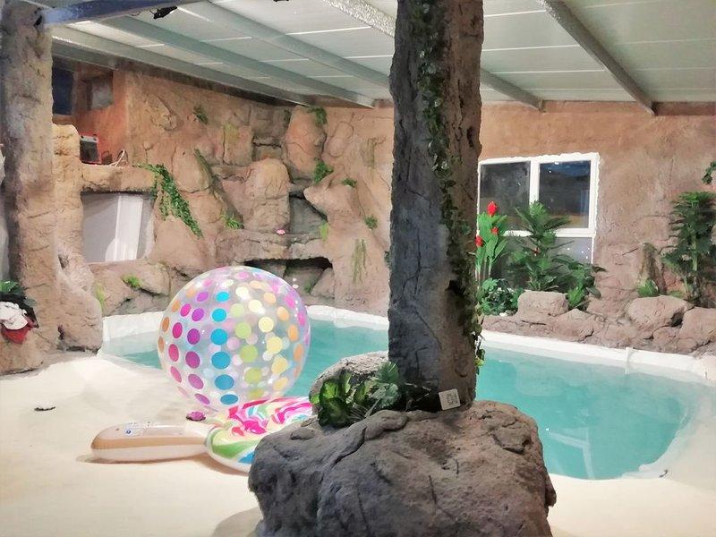 Finca La Caprichosa, Piscina climatizada y Jacuzzi, holiday rental in La Guardia
