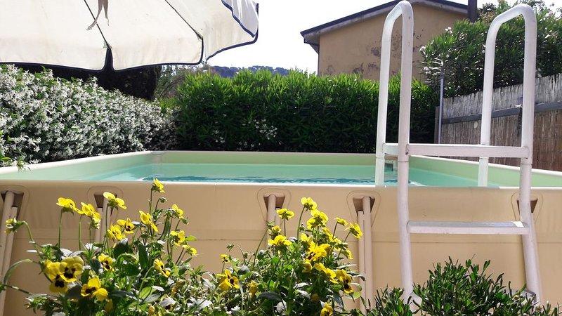 Villa con piscina privata  5 km Viareggio 20 km Lucca  25 km Pisa 100 km Firenze, vacation rental in Stiava