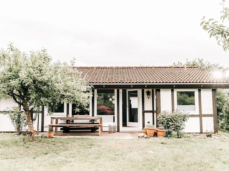 Blomsterhus, eine Perle mitten im Alten Land an der Elbe, holiday rental in Gruenendeich