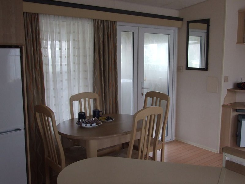 loue mobil home tous confort, vacation rental in Gastes