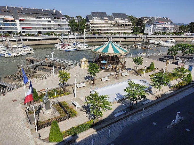Appartement pour 6 personnes, face au port du Pouliguen, holiday rental in Le Pouliguen