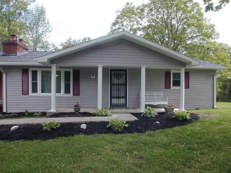 Lake Cumberland Ky Summer Home In Monticello, vacation rental in Monticello