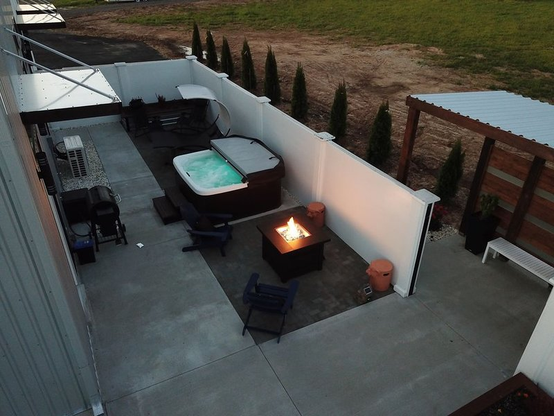 A new and spacious luxurious modern private home, holiday rental in Stockton