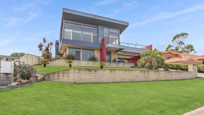 Nautilus - Modern Holiday Home with Water Views, vacation rental in Nungurner
