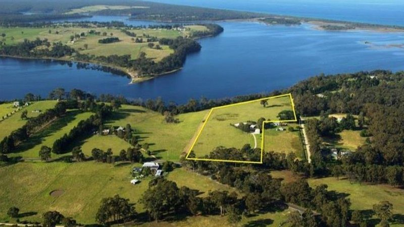 Lakeview - A ranch style home set on over 15 tranquil acres with uninterrupted l, alquiler vacacional en Kalimna