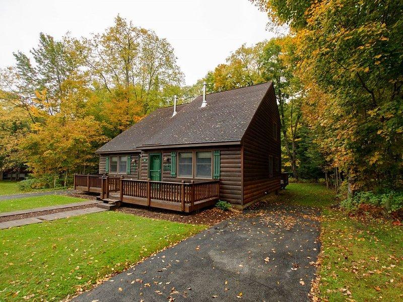 Holiday Shores Estates - Knotty Pine - 112, location de vacances à Old Forge