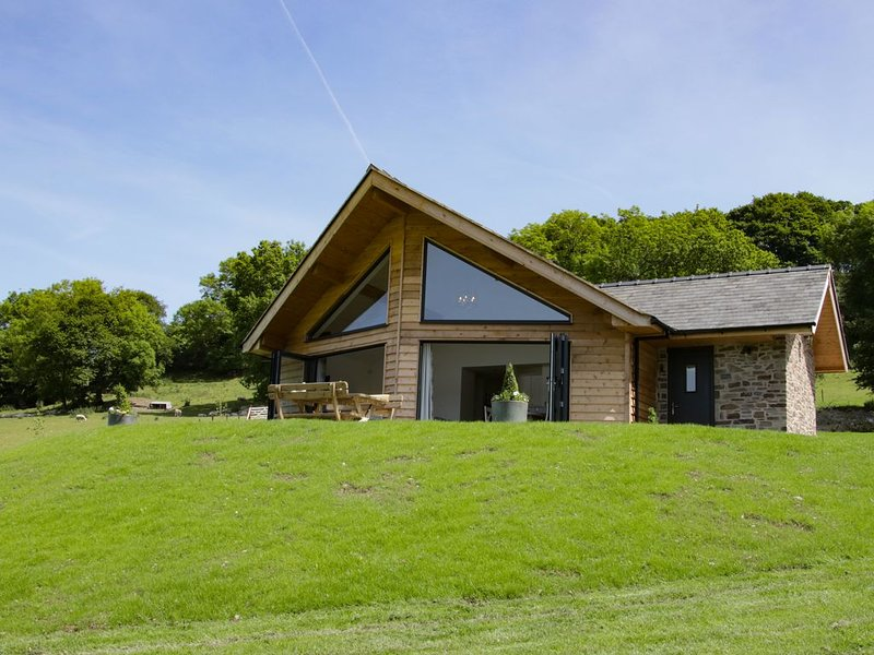 Ty Hiraeth, MONTGOMERY, vacation rental in Kerry