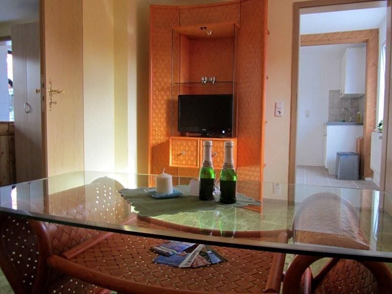 Ferienwohnung Born für 2 Personen mit 1 Schlafzimmer - Ferienwohnung, vacation rental in Born