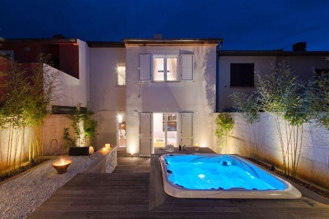 Ferienhaus Premantura für 1 - 8 Personen mit 3 Schlafzimmern - Ferienhaus, holiday rental in Premantura
