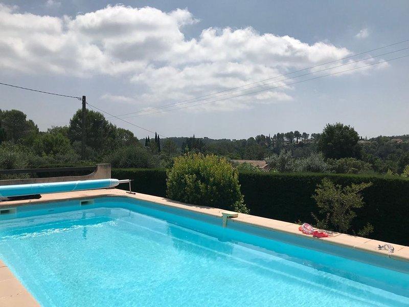 Villa individuelle avec piscine à Bagnols-en-forêt, holiday rental in Bagnols-en-Foret