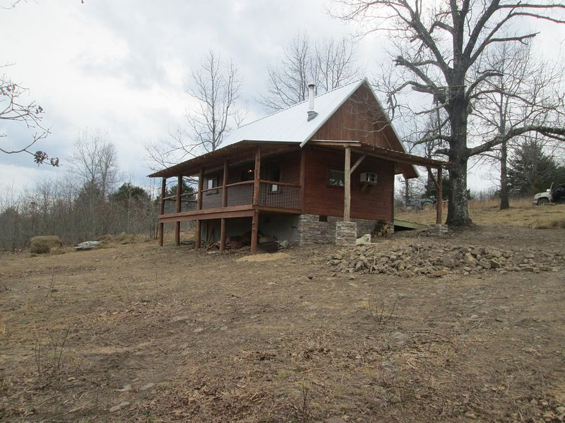 Osage Creek Cabins - Cozy cabin 1.5 miles from Buffalo River National Park, holiday rental in Parthenon
