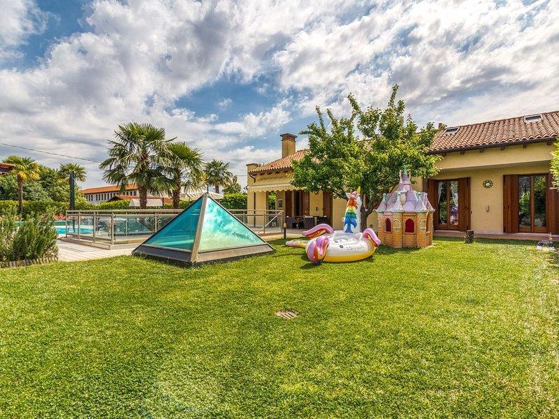 Beautiful holiday home in Zelarino (Venezia) with swimming pool, holiday rental in Monterotondo Scalo