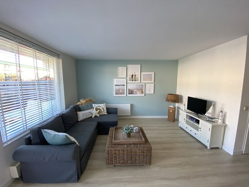 New apartment near beach, sea, dunes and circuit, vacation rental in Ijmuiden