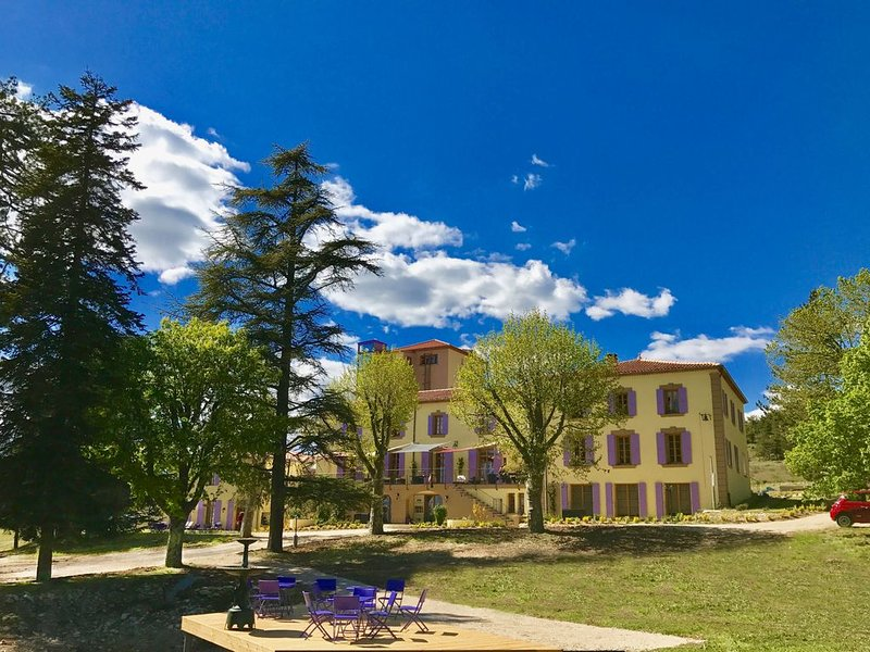 Ontspannen in de Drôme Provencale, vacation rental in Sault