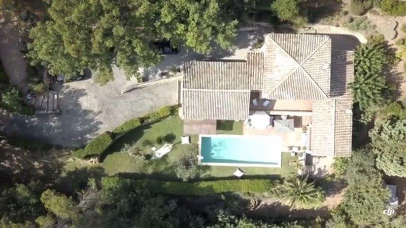 PROVENCE  VILLA  SEILLANS COTE D'AZUR  à 40 km de Cannes  /piscine  Chauffée, Ferienwohnung in Fayence