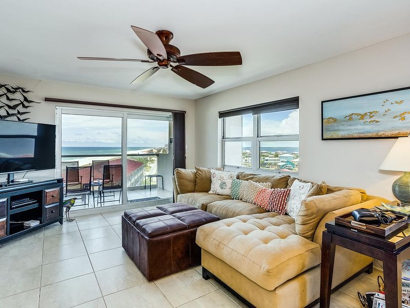 NEW LISTING!!! Gorgeous regency Towers Condo on the Heart of the Island!, alquiler de vacaciones en Gulf Breeze