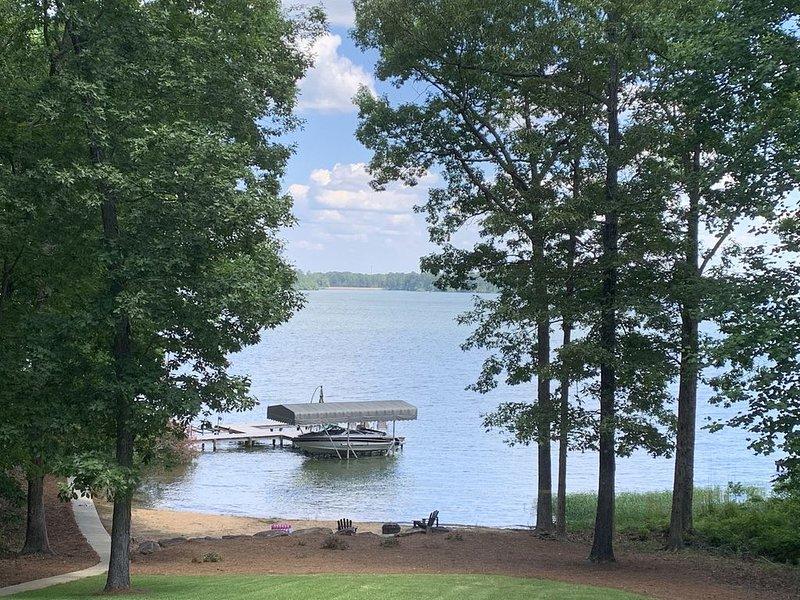 Life is great at the lake!Fantastic lake home-Beautiful views!, vacation rental in Eatonton
