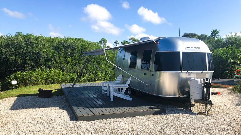 NEW LISTING - 2016 Airstream - Water View!, alquiler de vacaciones en Port Charlotte