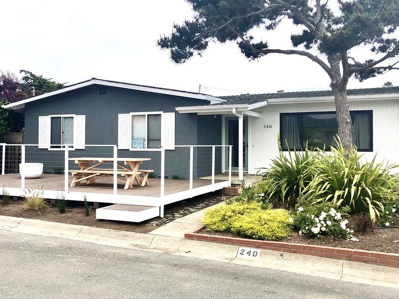 3 bedroom On beach tract, 2 blocks to the beach, vacation rental in Morro Bay