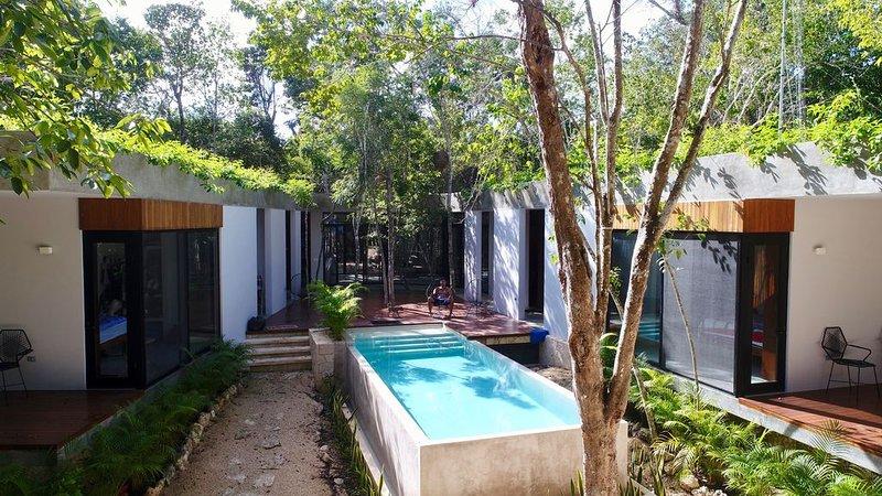 Modern JUNGLE Home & WATCHTOWER CASA FORTUNA TULUM, alquiler de vacaciones en Macario Gómez