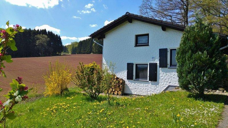 Ferienhaus Lissendorf für 1 - 6 Personen mit 3 Schlafzimmern - Ferienhaus, holiday rental in Hillesheim