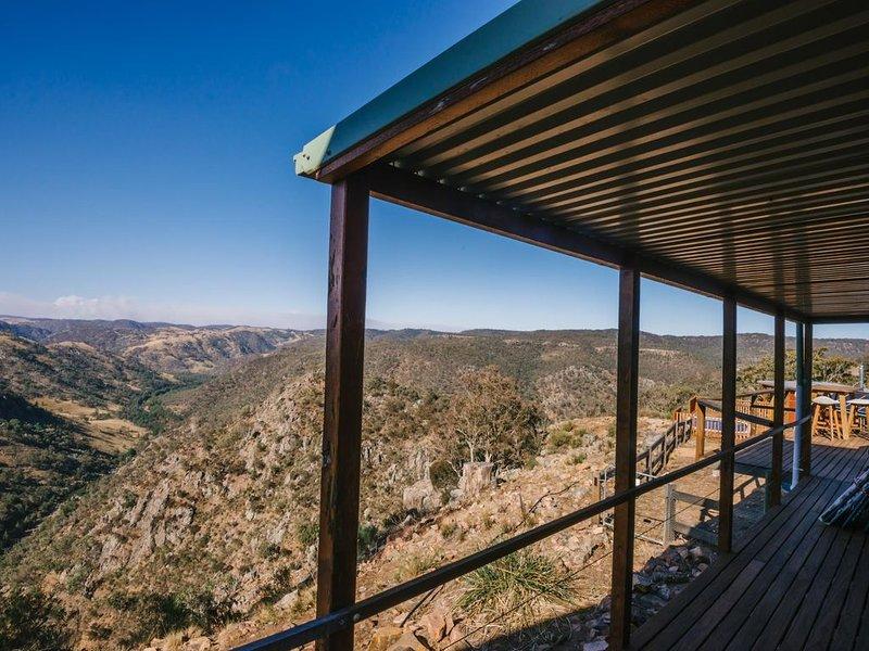 Sensational Views - Best in the Southern Highlands, vacation rental in Joadja Creek