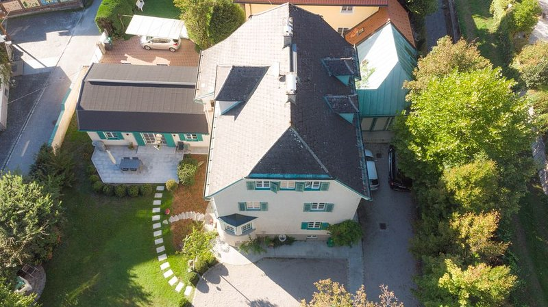 Urlaub in der stilvollen Villa Leopoldskron, vacation rental in Koppl