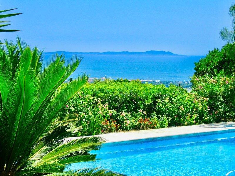 Villa d'exception vue mer, piscine chauffée, tennis, jacuzzi, salle cinéma, location de vacances à Hyères