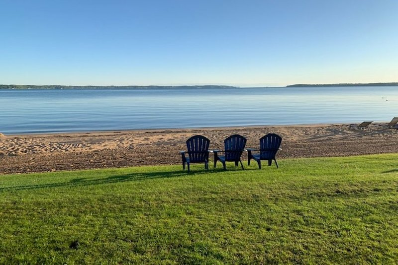 Lake Michigan Beach Condo, alquiler de vacaciones en Grand Traverse County