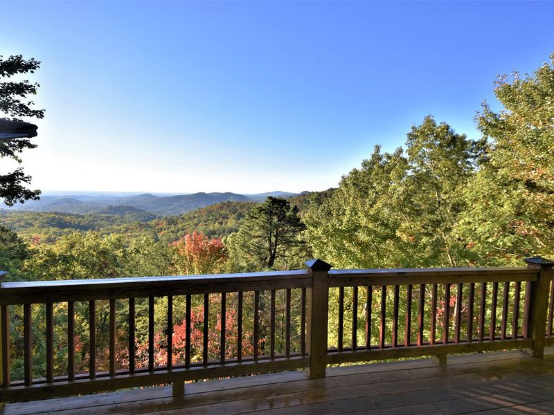 Rue with a View – Picturesque Mountain Views, holiday rental in Clayton