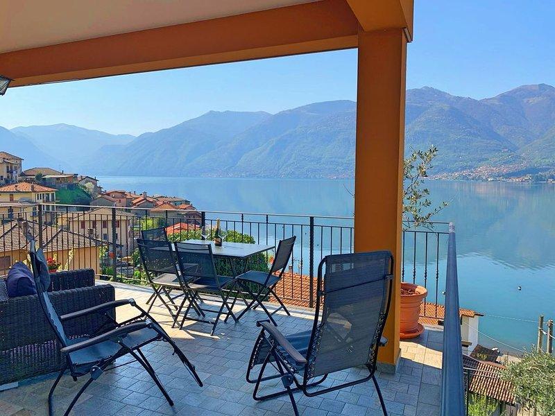 LUXURY bright apartment near BELLAGIO, vacation rental in Lezzeno