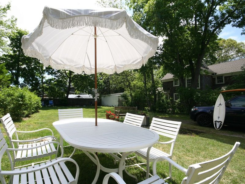 5 min walk to Beach/ Restaurants/ Museums - Village House with large backyard, vacation rental in Sag Harbor
