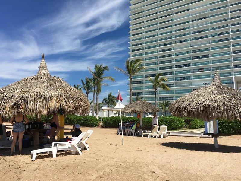 Wow! Spectacular, Peaceful and Romantic Beachfront Condo, alquiler de vacaciones en Mazatlán