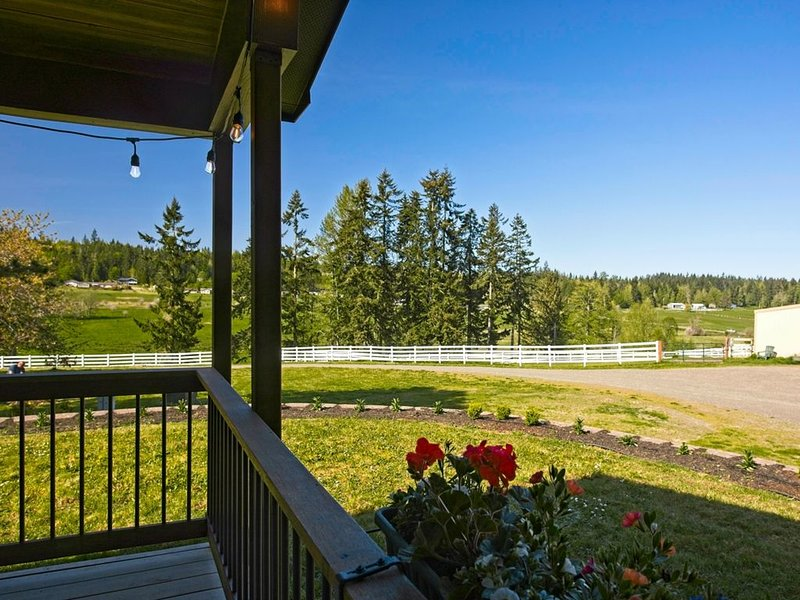 New Farm Cottage at Freshwater Bay Rd, vacation rental in Joyce