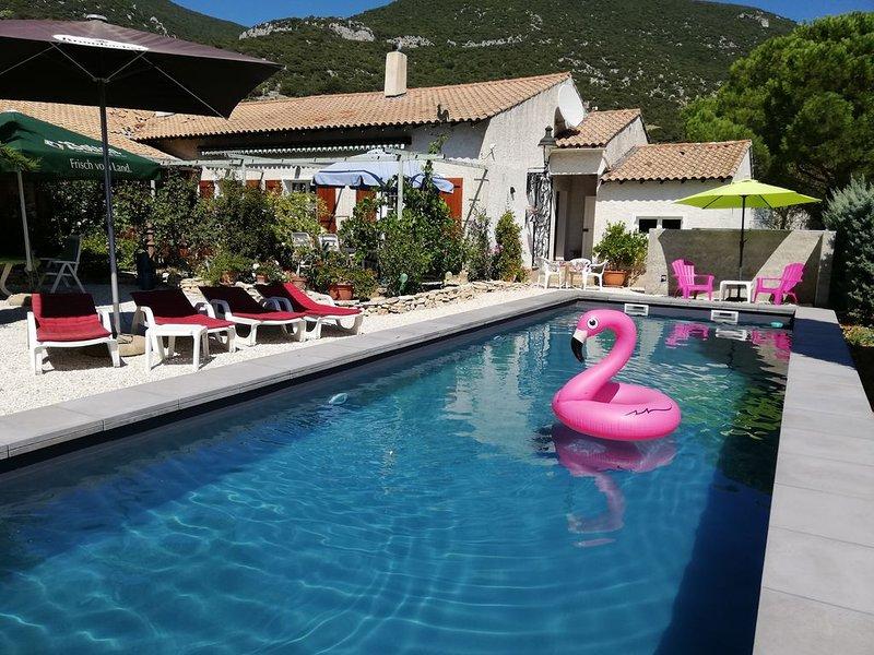 Ferienwohnung Rustrel für 1 - 4 Personen mit 2 Schlafzimmern - Ferienwohnung, holiday rental in Simiane-la-Rotonde