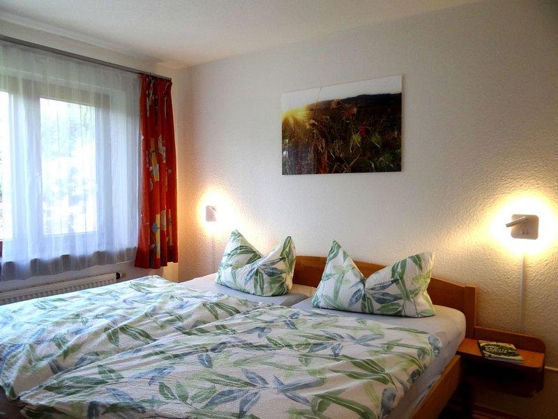 Ferienwohnung 1, 55 qm, 2 Schlafzimmer, max. 5 Personen, holiday rental in Umkirch