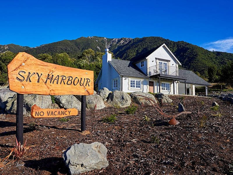 Unique and Luxurious retreat, Relax and unwind, vacation rental in Kaikoura