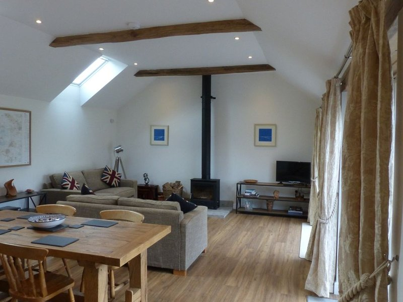 The Woodshed, a newly built cottage by Glastonbury, holiday rental in Ashcott