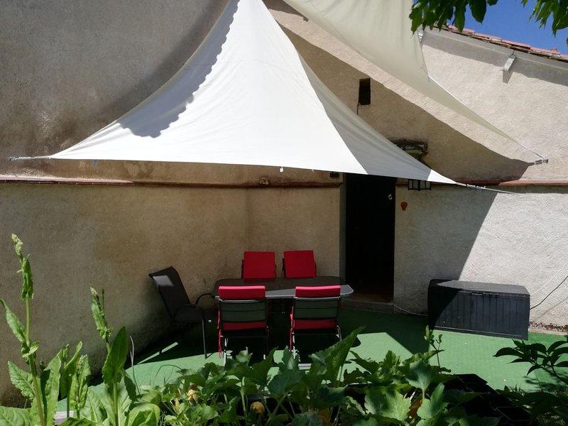 Ferienhaus mit Garten in Bourdeilles / Périgord, location de vacances à Bourdeilles